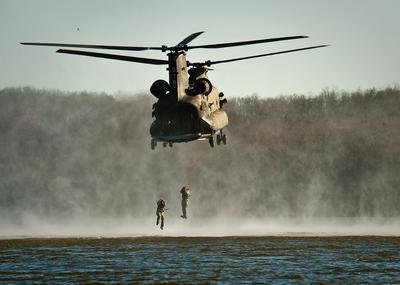 Army Soldiers Helocasting